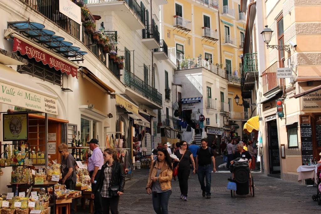 amalfi shops
